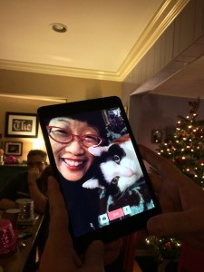 Oreo loves FaceTiming my human friends!